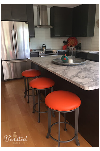 Callee S Chrysler Backless Swivel Counter Stools In Modern Kitchen