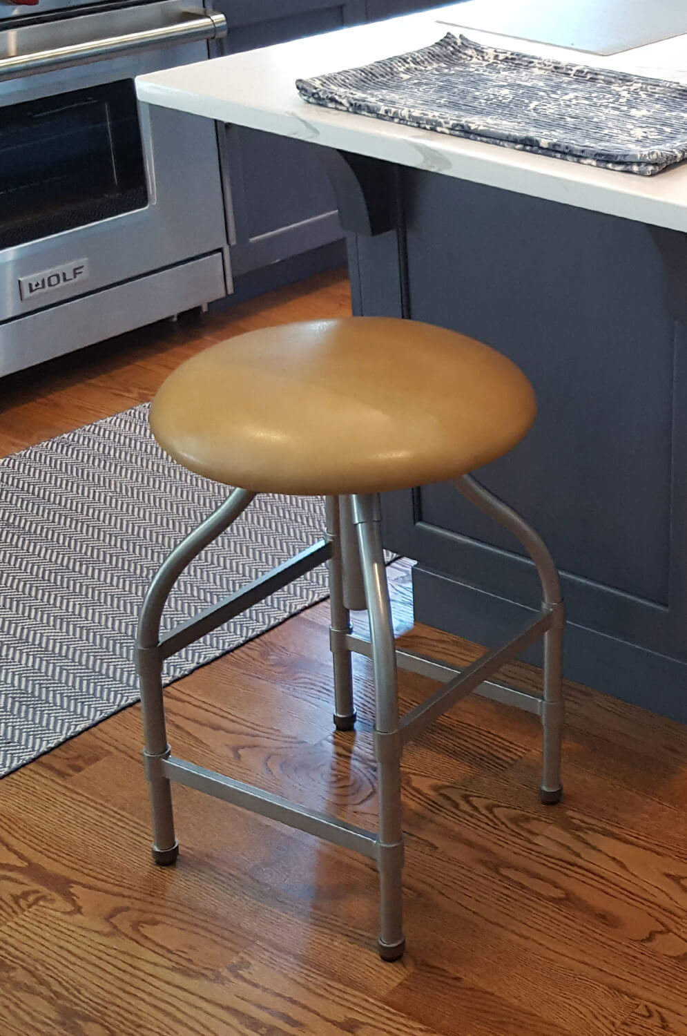Magnificent Dodge Backless Swivel Adjustable Stool Theyellowbook Wood Chair Design Ideas Theyellowbookinfo