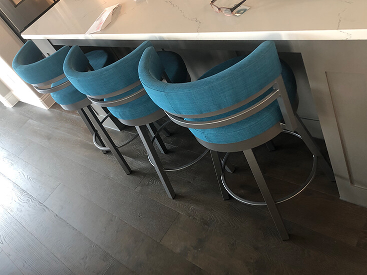 Amisco's Ronny Swivel Kitchen Counter Stools in Silver and Blue Seat/Back Cushion