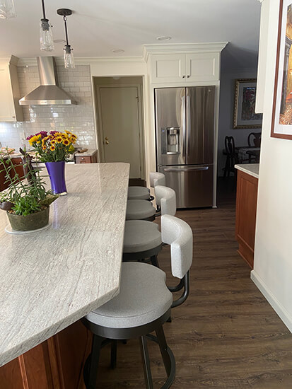 Amisco's Barry Modern Swivel Counter Stools in White and Brown Kitchen