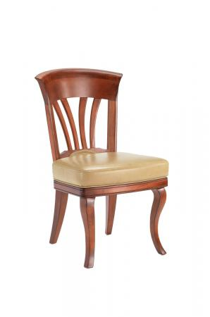 Darafeev's Nomad Maple Club Chair with Seat Cushion